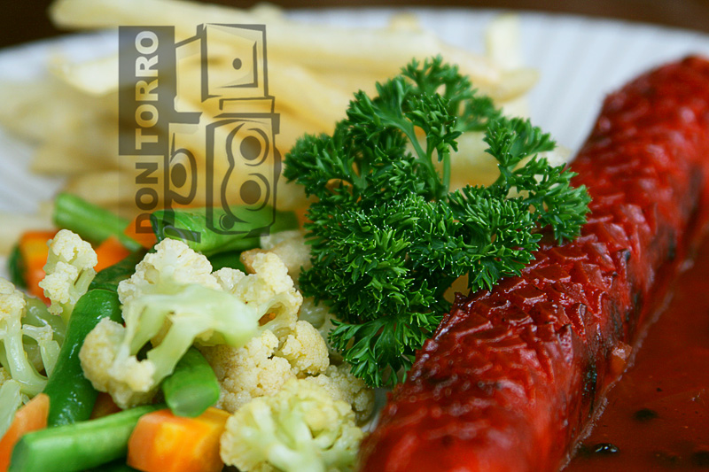 Grilled Giant Sausages - 15 ribu